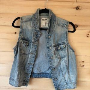 COPY - Garage Jean Vest